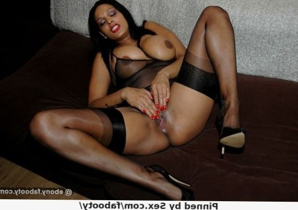 ebony girlfriend posing and toying her tight pussy